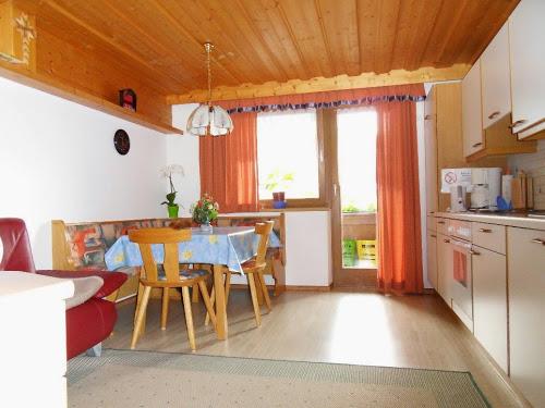 apartment zimmer in weerberg innsbruck pension g nstig. Black Bedroom Furniture Sets. Home Design Ideas